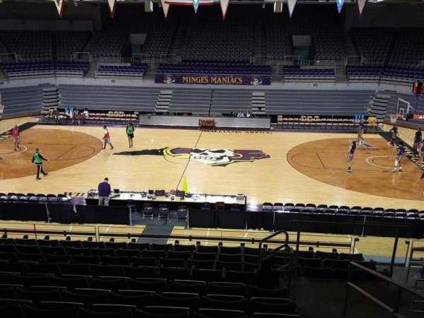 Williams Arena at Minges Coliseum, secção: 207, fila: L, lugar: 1