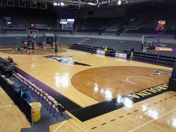 Williams Arena at Minges Coliseum, secção: 213, fila: A, lugar: 10