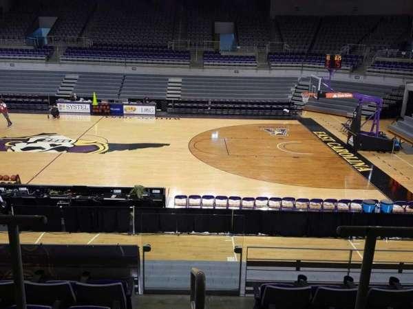 Williams Arena at Minges Coliseum, secção: 214, fila: F, lugar: 17