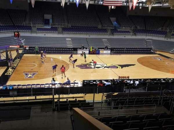 Williams Arena at Minges Coliseum, secção: 216, fila: L, lugar: 9