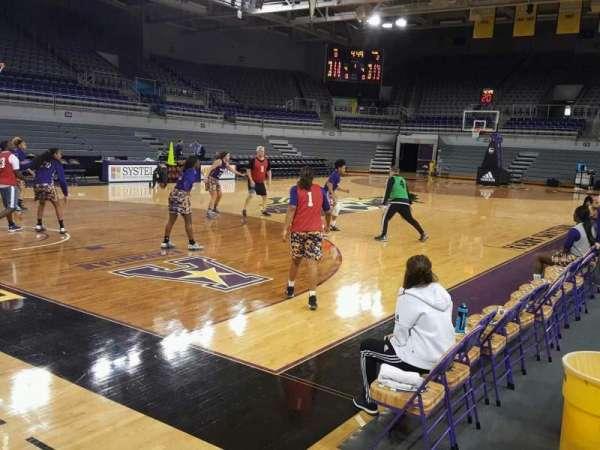 Williams Arena at Minges Coliseum, secção: 101, fila: 3, lugar: 8