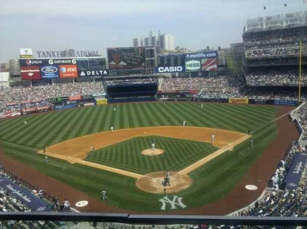 Yankee Stadium, secção: 320B, fila: 3, lugar: 16
