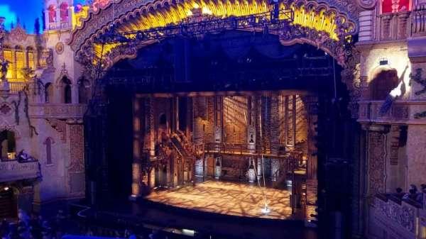 Majestic Theatre - San Antonio, secção: starlight suite B, fila: B4, lugar: 2