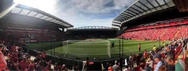 Anfield, secção: 124