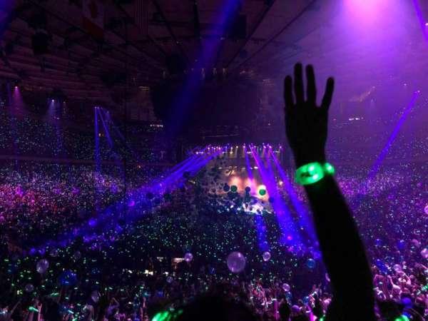 Madison Square Garden, secção: 103, fila: 19, lugar: 7
