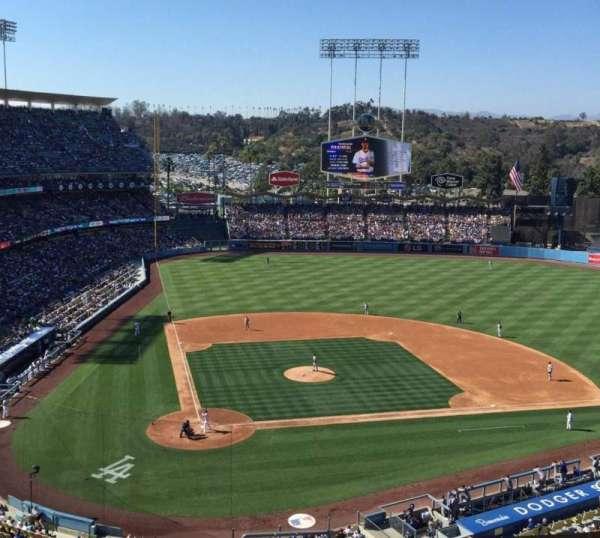 Dodger Stadium, secção: 6RS, fila: L, lugar: 22