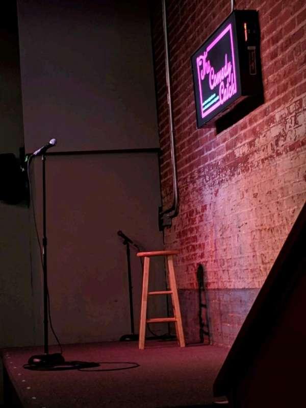 The Comedy Catch, secção: Main Floor, fila: 1, lugar: Table 6 seat 1