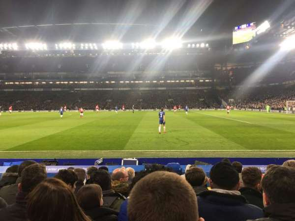 Stamford Bridge, secção: East Lower 6, fila: L, lugar: 152