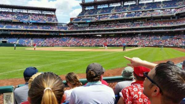 Citizens Bank Park, secção: 137, fila: 4, lugar: 9