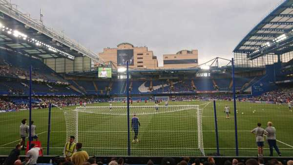 Stamford Bridge, secção: Matthew Harding Lower 12, fila: M, lugar: 0077