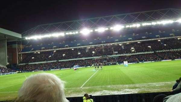 Ibrox Stadium, secção: Sandy Jardine Front, fila: G, lugar: 109