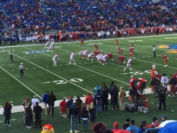 David Booth Kansas Memorial Stadium, secção: 24, fila: 23, lugar: 4