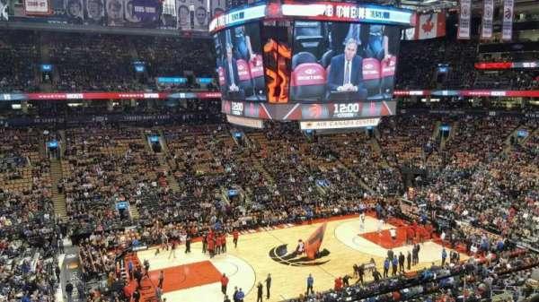 Scotiabank Arena, secção: 323, fila: 3, lugar: 2