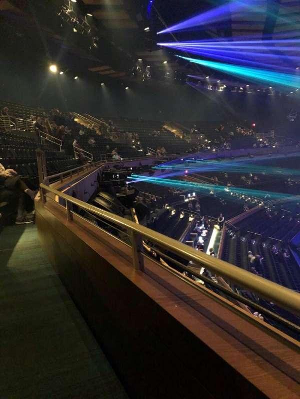 Park Theater at Park MGM, secção: 402, fila: A, lugar: 18