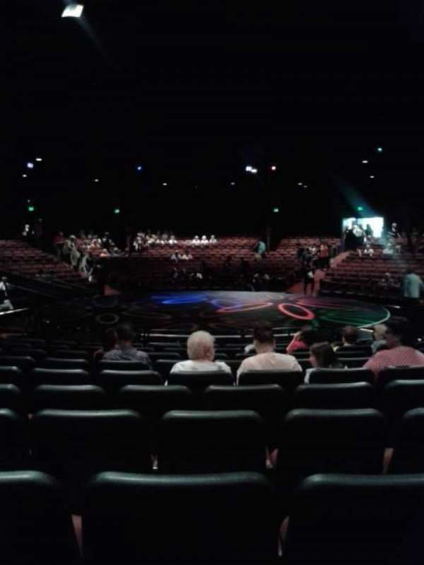 North Shore Music Theatre, secção: B, fila: L, lugar: 17