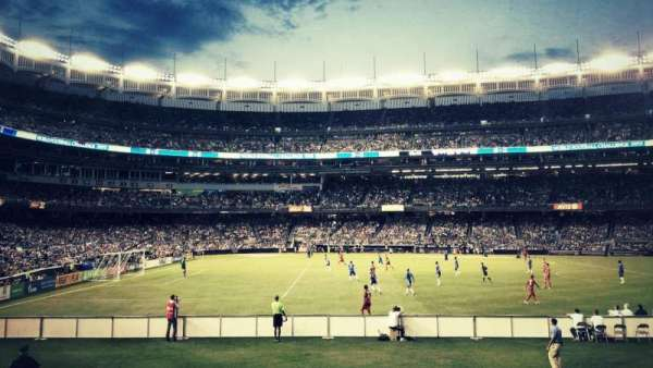 Yankee Stadium, secção: 105, fila: 18, lugar: 3