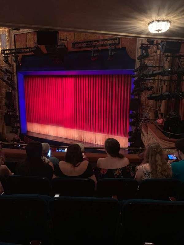 Longacre Theatre, secção: Mezzanine R, fila: E, lugar: 19