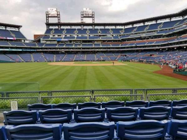 Citizens Bank Park, secção: 142, fila: 5, lugar: 17