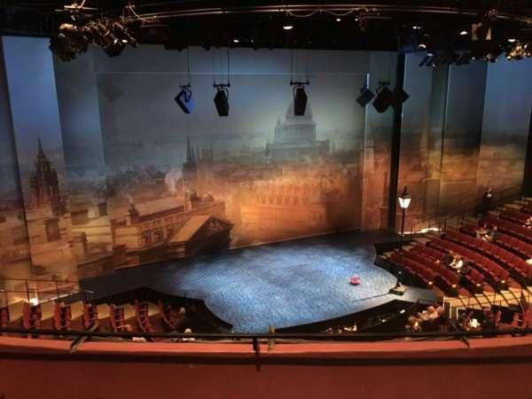 Vivian Beaumont Theater, secção: LOGE LC, fila: C, lugar: 208