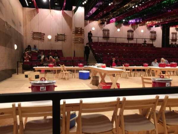 Circle in the Square Theatre, secção: Orchestra 400 (Odd), fila: Aisle 1, lugar: B 407
