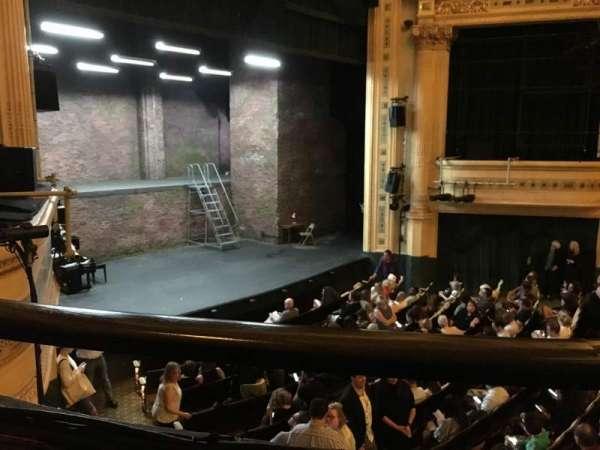 Hudson Theatre, secção: Dress Circle L, fila: A, lugar: 17