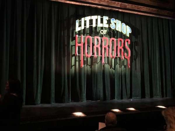 Westside Theatre, secção: ORCHFR, fila: D, lugar: 111