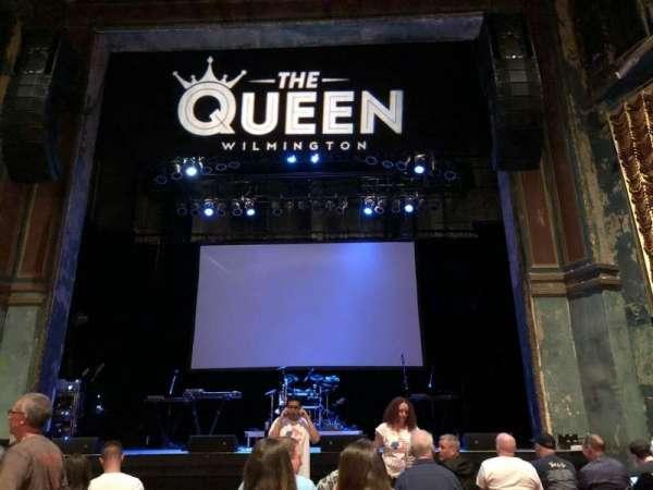 The Queen, secção: GA Floor, fila: Last Row in Front of t, lugar: Center Aisle