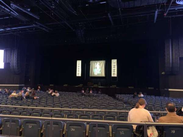 Hulu Theater at Madison Square Garden, secção: 202, fila: BB, lugar: 6