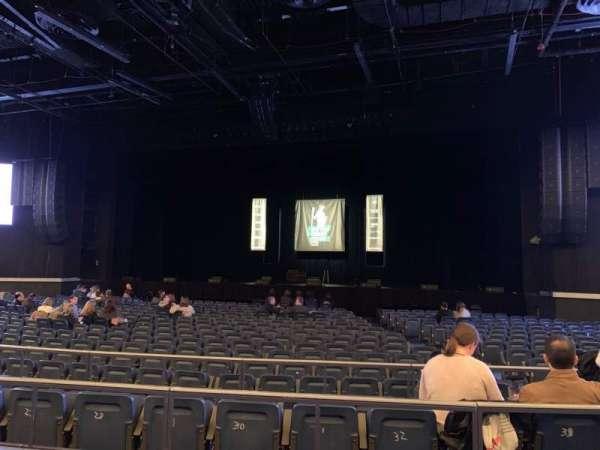 Hulu Theater at Madison Square Garden, secção: 202, fila: BB, lugar: 6