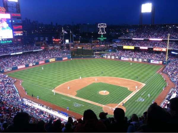 Citizens Bank Park, secção: 422, fila: 15, lugar: 7