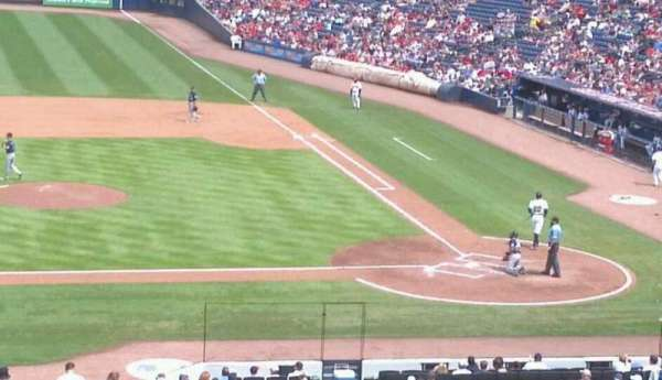 Turner Field, secção: 206, fila: 14, lugar: 1