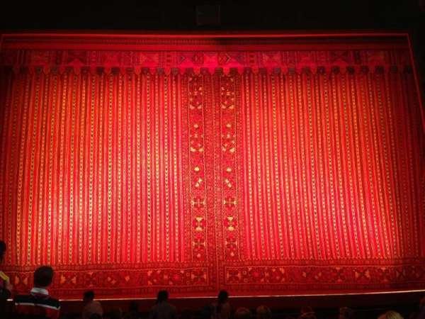 New Amsterdam Theatre, secção: Orchestra C, fila: J, lugar: 107
