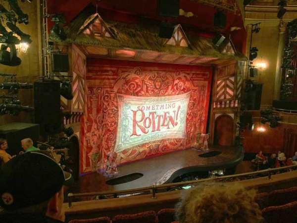 St. James Theatre, secção: Mezzo, fila: E, lugar: 25