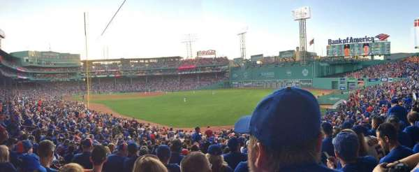 Fenway Park, secção: Right Field Box 90, fila: WW, lugar: 10