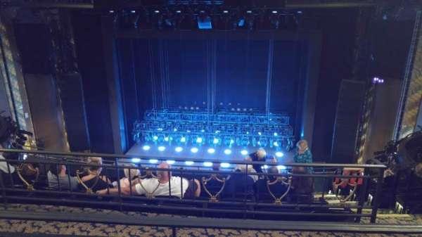 Lunt-Fontanne Theatre, secção: Rear Mezzanine, fila: B, lugar: 108