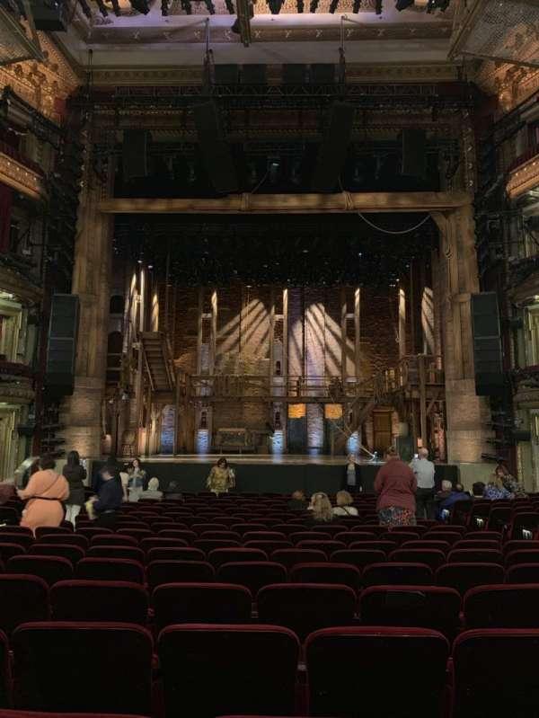 CIBC Theatre, secção: Orchestra C, fila: T, lugar: 109