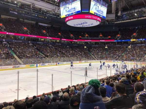 Rogers Arena, secção: 119, fila: 12, lugar: 105