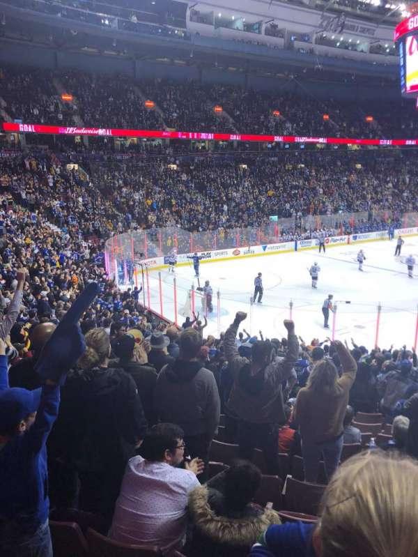 Rogers Arena, secção: 110, fila: 20, lugar: 12