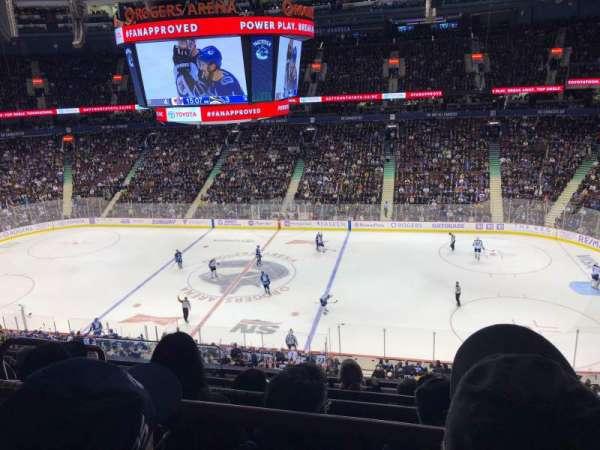 Rogers Arena , secção: 322, fila: 5, lugar: 1