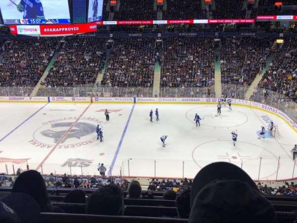 Rogers Arena, secção: 322, fila: 5, lugar: 1