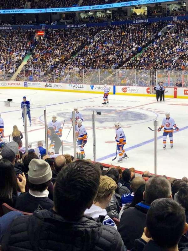 Rogers Arena, secção: 115, fila: 12, lugar: 109