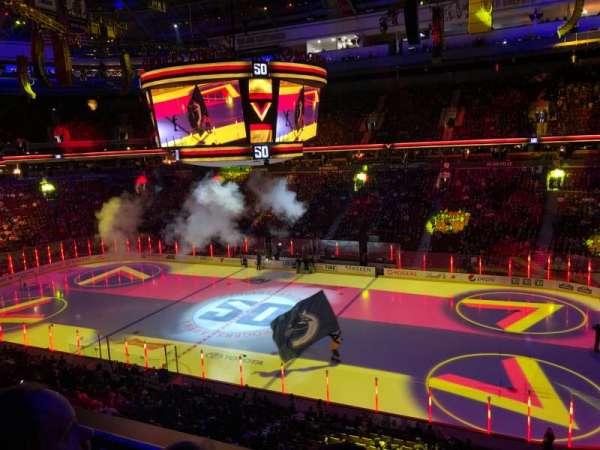 Rogers Arena, secção: 306, fila: 2, lugar: 1