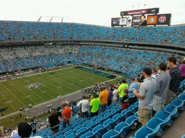 Bank of America Stadium, secção: 517, fila: 15, lugar: 22