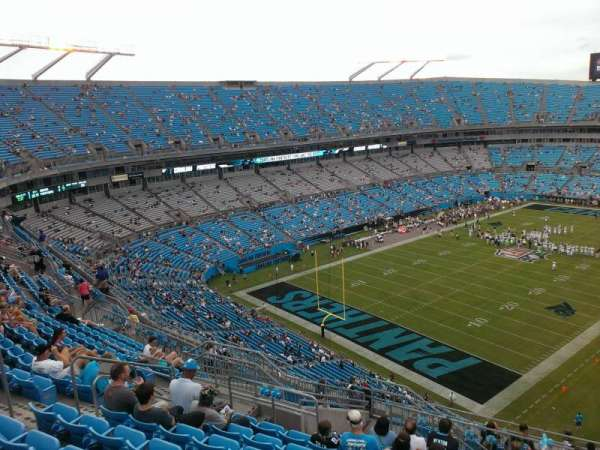 Bank of America Stadium, secção: 525, fila: 12, lugar: 13