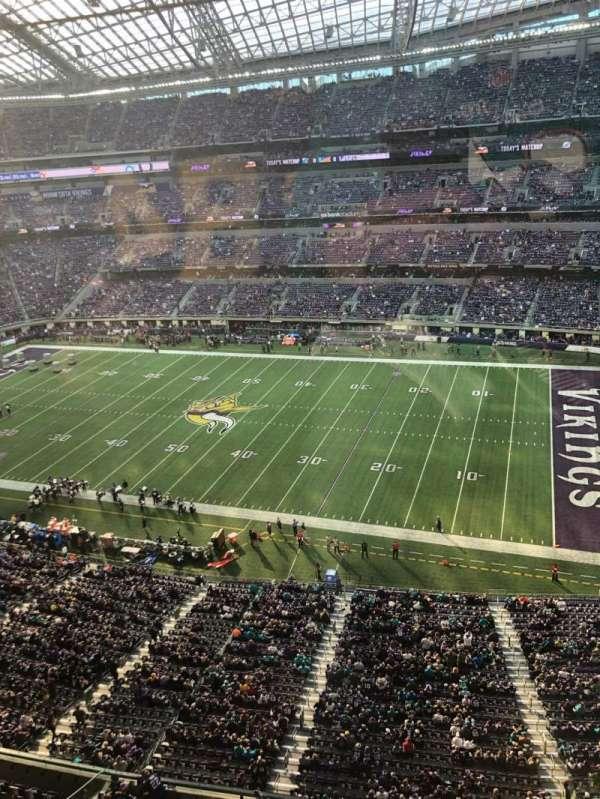 U.S. Bank Stadium, secção: 306, fila: 1, lugar: 9
