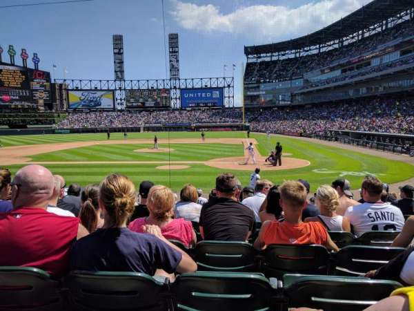 Guaranteed Rate Field, secção: 136, fila: 14, lugar: 4