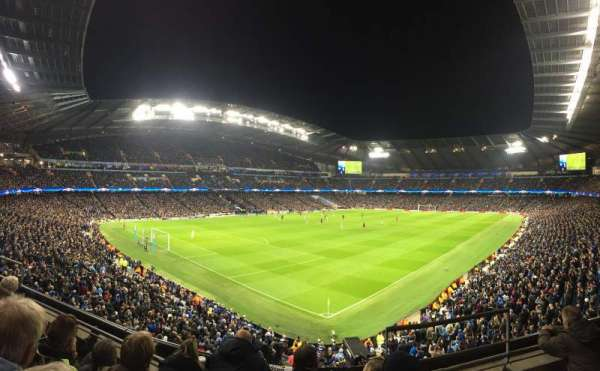 Etihad Stadium (Manchester), secção: 212, fila: D, lugar: 290
