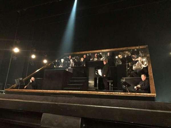 Ambassador Theatre, secção: Orchestra C, fila: CC, lugar: 114