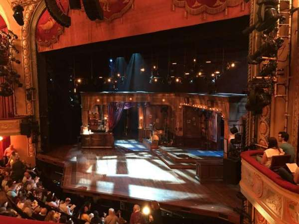 Bernard B. Jacobs Theatre, secção: Mezzanine R, fila: B, lugar: 18