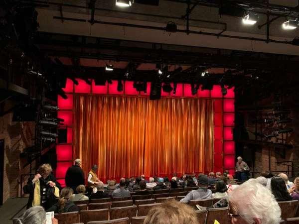 Laura Pels Theatre, secção: Orchestra, fila: N, lugar: 17